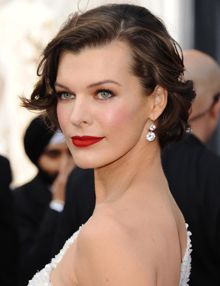 Famille Greengrass [0/3] Oscars-2012-hair-and-makeup-looks-milla-jovovich